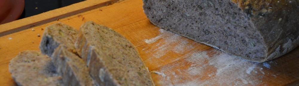 Brød bagt i støbejernsgryde