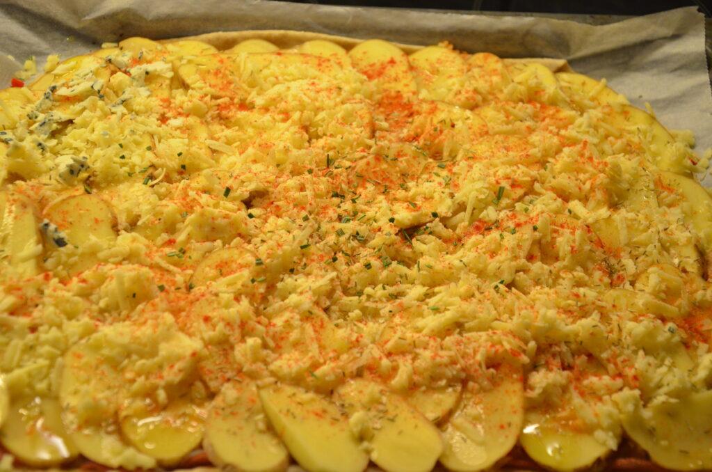 Pizzaen før den kommer i ovnen