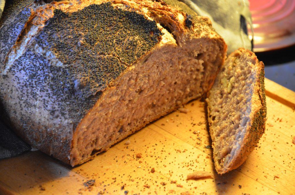 Rustikt valnøddebrød med birkes